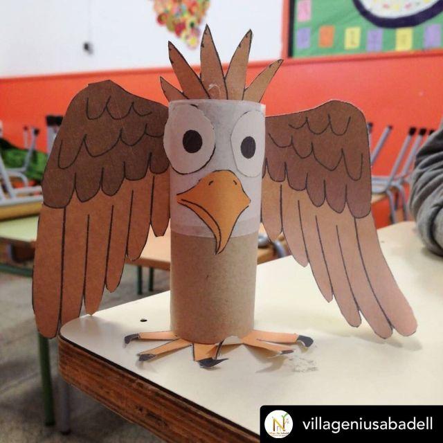 Posted @withregram • @villageniusabadell A l'@afaribatallada viatgem a #alemanya! Els infsnts, a l''espai storytelling, descobreixen Hansel i Gretel, esbrinen qui va ser Albert Einstein, descobreixen l'harmònica i fabriquen l'animal emblemàtic alemany!   #diverenjoy #diverludo #sabadell #extraescolars #educació